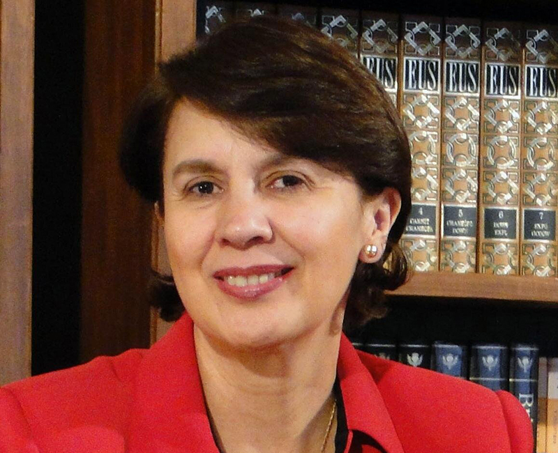 Dr. Rosalia Arteaga Serrano